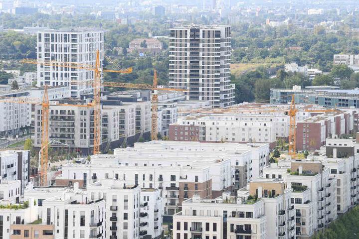 Im Europaviertel werden neue Mehrfamilienhäuser errichtet.