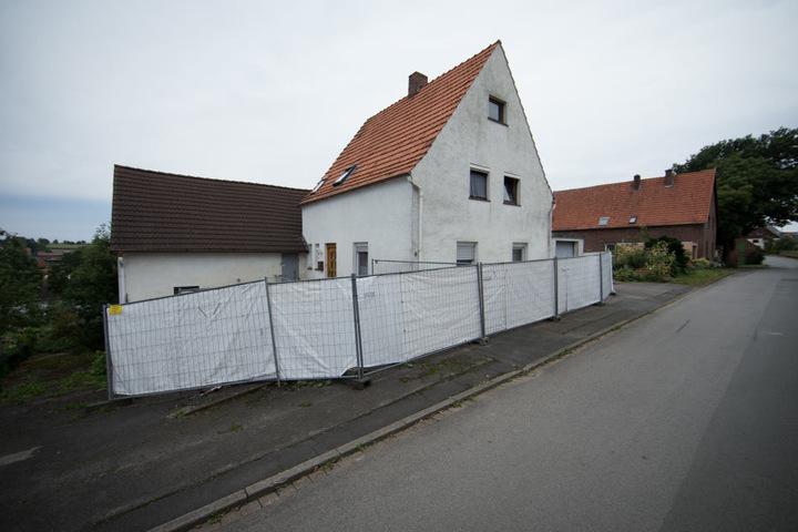 Bis vor Kurzem stand noch der Sichtschutzzaun um das Horror-Haus von Höxter.