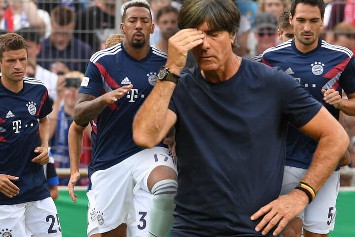 Bundestrainer Joachim Löw dürfte im Jahr 2019 vor schweren Entscheidungen stehen. (Bildmontage)