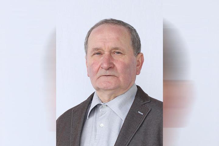 Abgabetermin verschwitzt: Herbert Stein (67, Linke).