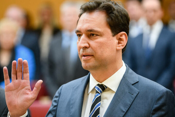 Bayerns Justizminister Georg Eisenreich übt Kritik an Facebook.