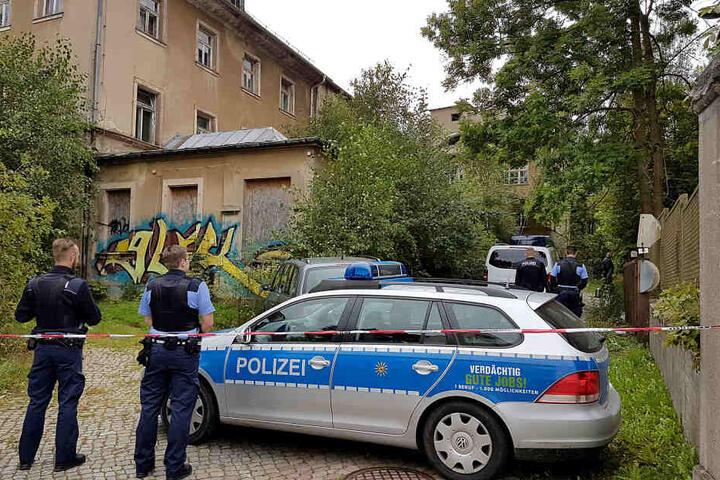 Am 13. September 2017 entdeckten Passanten eine leblose Person in der Industriebrache in der Zwickauer Straße.
