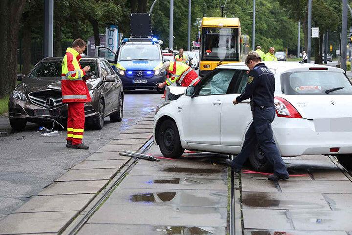 Die Polizei sucht Zeugen zu diesem Crash. Hatte ein drittes Fahrzeug Schuld?