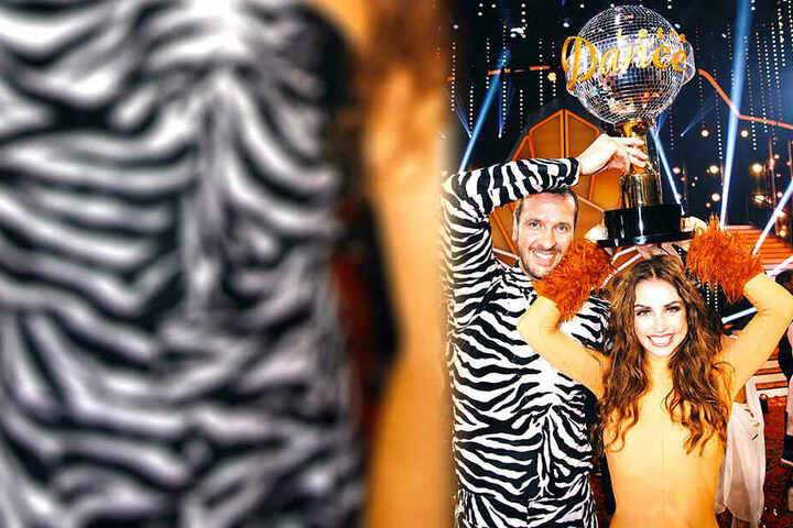Pascal Hens und Ekaterina Leonova durften am Ende den Siegerpokal in die Luft stemmen.