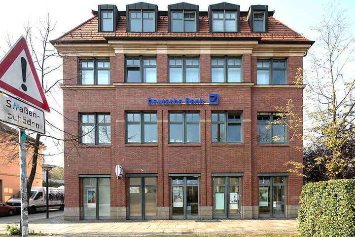 In dieser Filiale der Deutschen Bank fand der Überfall statt.