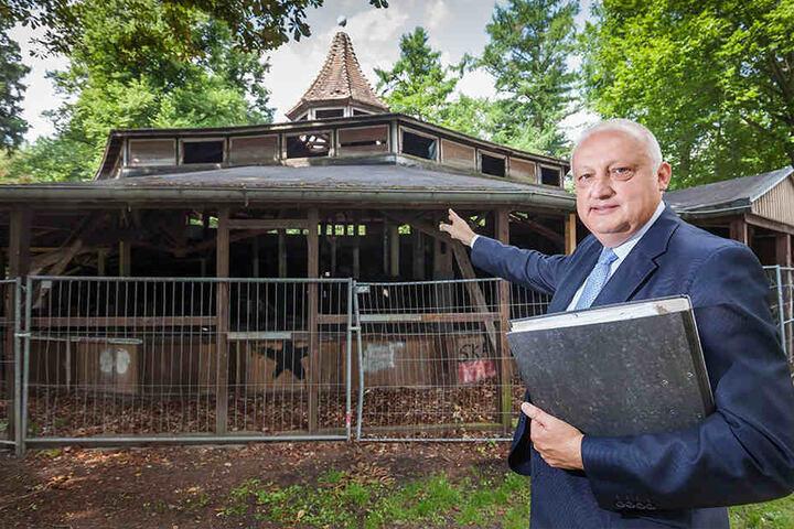 Bürgermeister Carsten Schmidt (52) liegt die Zukunft des Stadtparks am Herzen. Für das Hippodrom hat er schon Pläne.