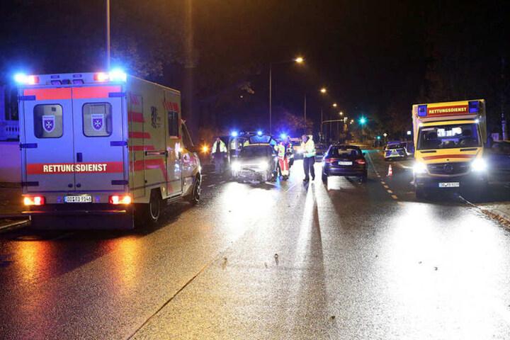 Die Altenberger Straße war wegen des Unfalls gesperrt.