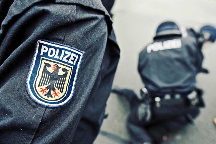 Die Bundespolizei sucht nach dem mutmaßlichen Täter. (Symbolbild)