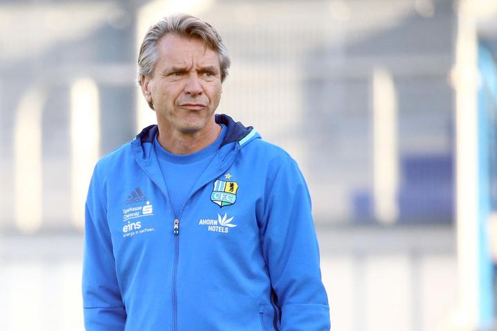 Wie wird Trainer Horst Steffen nach den Tiefschlägen von Wiesbaden reagieren?