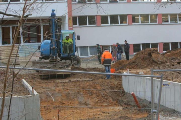 Die Granate wurde bei Bauarbeiten entdeckt und bereits vom Schulgelände geschafft.