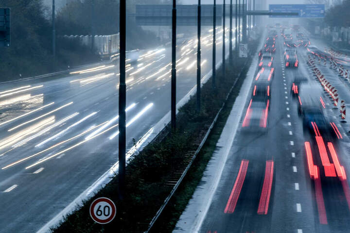 Der Unfall geschah auf der A4 bei Dresden. (Symbolbild)