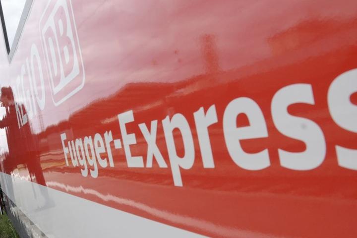"""Weil er ständig zu spät und überfüllt ist: Der """"Fugger-Express"""" ist in die Kritik geraten. (Symbolbild)"""