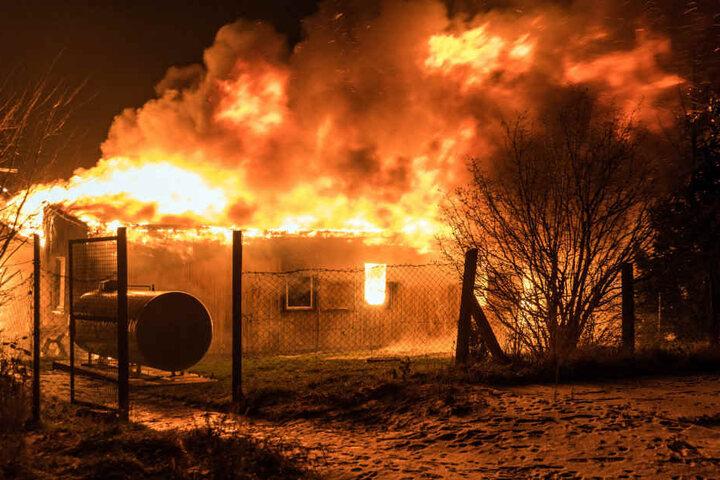 In diesem Flammenmeer in Apolda verbrannten zwei unschuldige Menschen.