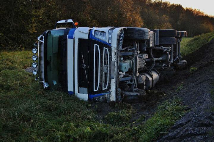 Der 49-Jährige blieb unverletzt, es entstand Sachschaden in Höhe von rund 80.000 Euro.