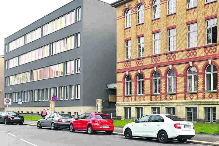 An der Fetscherstraße Ecke Fiedlerstraße neben der Dresdner Uniklinik hat der  bundesweit tätige Verein für Knochenmark- und Stammzellspenden (VKS) seine  Zentrale.
