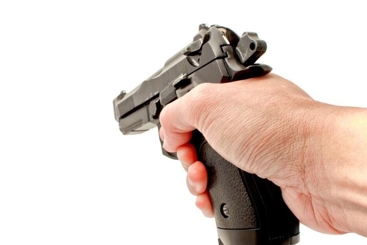 Laut Urteil tötete der 28-Jährige im Oktober 2018 seine Ex-Frau mit vier Pistolenschüssen (Symbolbild).