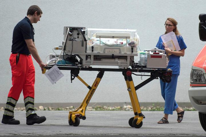 Am Montag und in den kommenden Tagen erfolgt auch der Rücktransport der Patienten, die aus ihren Kliniken evakuiert werden mussten.