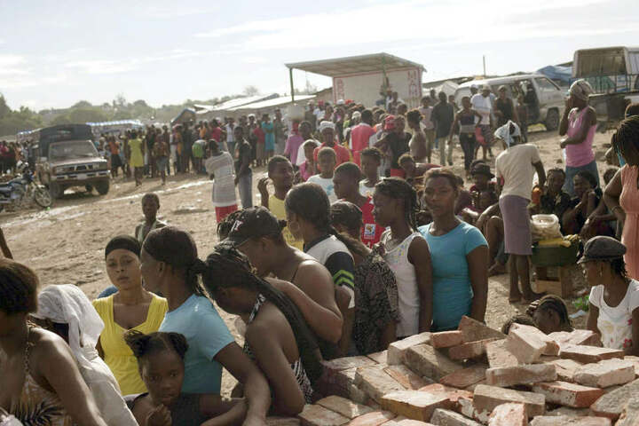 Mitarbeiter der Katastrophenhilfe sollen allerdings lieber Parties gefeiert haben, als zu helfen.
