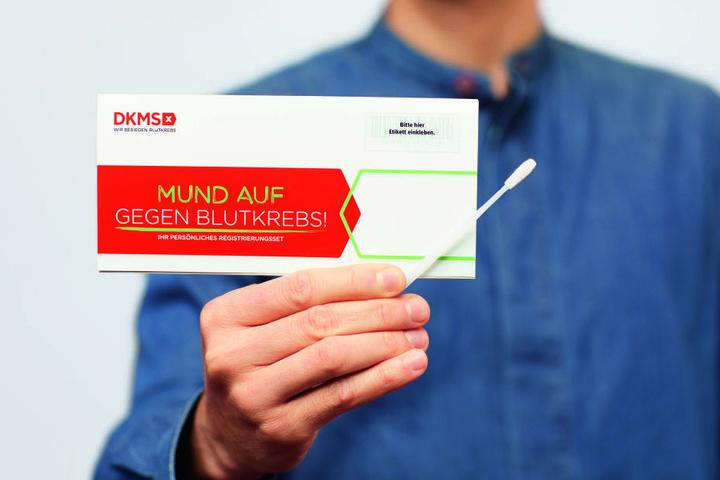 Eine Speichelprobe genügt zur Registrierung bei der DKMS.