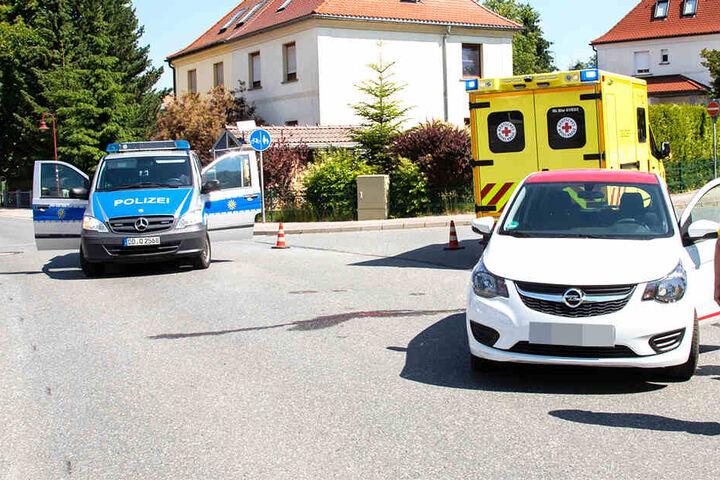 Polizei und Rettungsdienst waren am Unfallort im Einsatz.