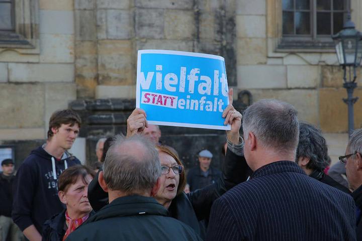 Kleine verbale Konfrontation am Theaterplatz.