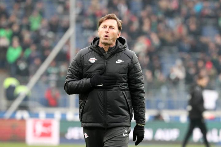 Puuuh, durchatmen! RB Leipzigs Trainer Ralph Hasenhüttl fiel nach dem Zittererfolg gegen Hannover sicher nicht nur ein kleiner Stein vom Herzen.