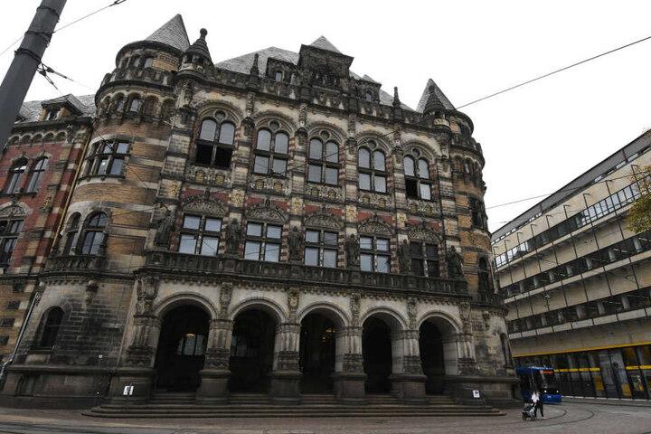 Der Haupteingang des Landgerichts in Bremen.