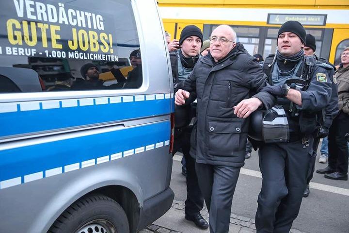 Neonazi Gerhard Ittner (58) wurde wegen Widerstandes gegen Vollstreckungsbeamte vorläufig festgenommen.