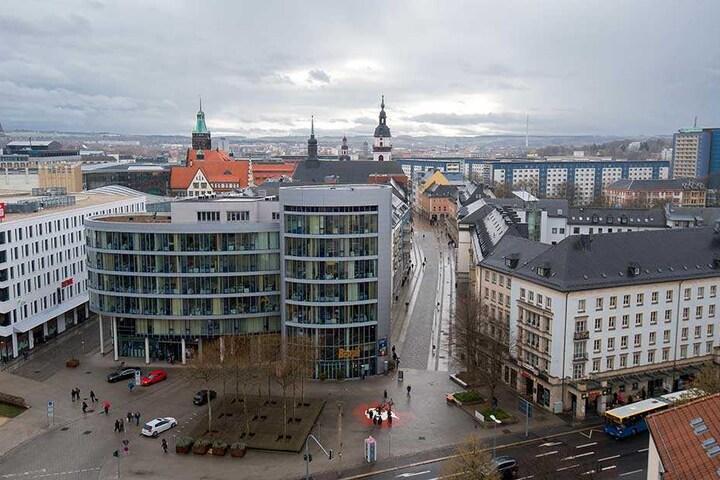 Zu den bereits bestehenden sieben Restaurants, Cafés und Bars in der Inneren Klosterstraße sind sechs weitere dazugekommen. Von der Gastromeile soll die gesamte Innenstadt profitieren.