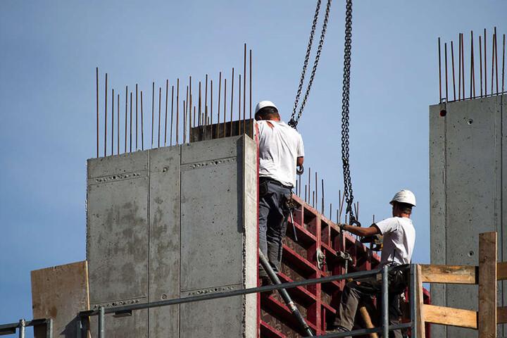 Der Bau-Boom hält die Konjunktur in Sachsen in Schwung, so die Forscher.
