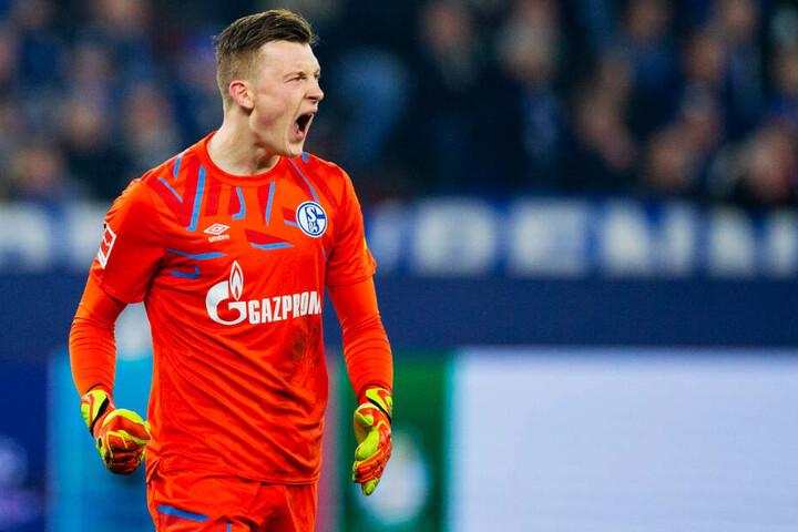 Markus Schubert durfte seine Freude herausschreien: Er gewann mit Schalke nämlich gegen den Tabellenzweiten Mönchengladbach mit 2:0.
