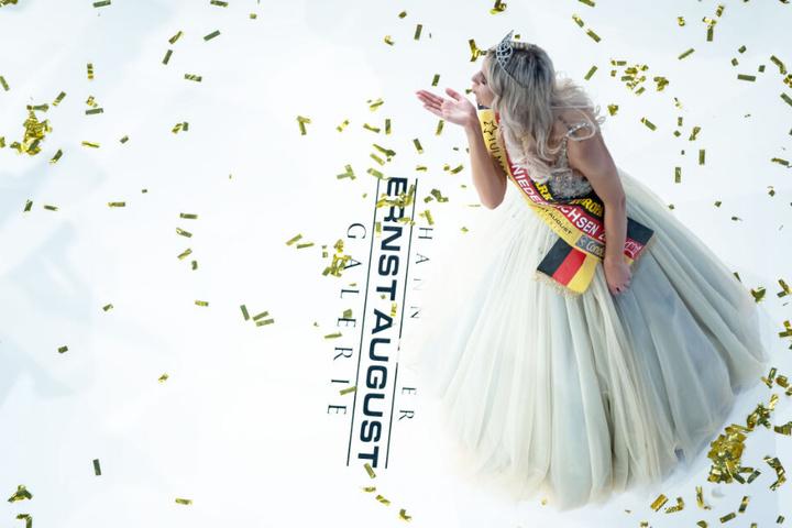 """Sarah Wipperfürth hat den Schönheitswettbewerb """"Miss Niedersachsen 2019"""" gewonnen."""
