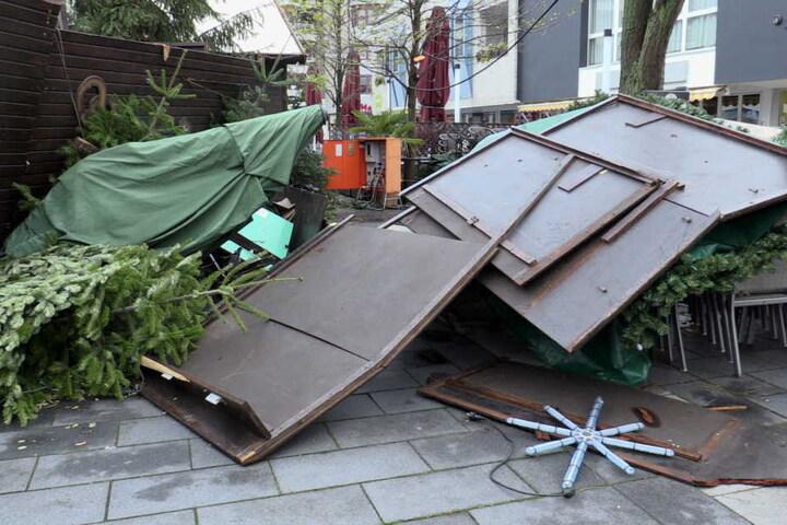 Wegen des Sturms blieb der Weihnachtsmarkt am Sonntag zu.