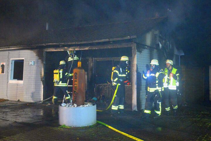 Das Feuer hatte schnell auf die Dachkonstruktion übergegriffen.