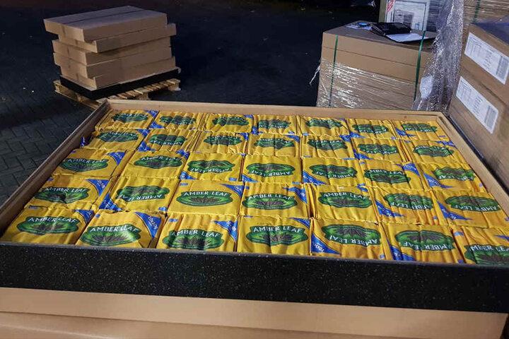 Zu den Zigaretten kamen noch über 800 Kilo Tabak.