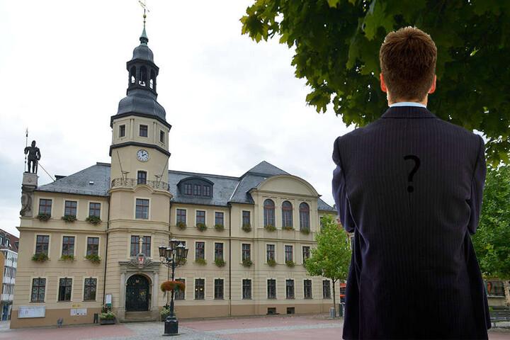 Crimmitschau jagt einen Unbekannten: Das Rathaus will den Vorschlag eines Bürgers diskutieren, weiß aber nicht mit wem.