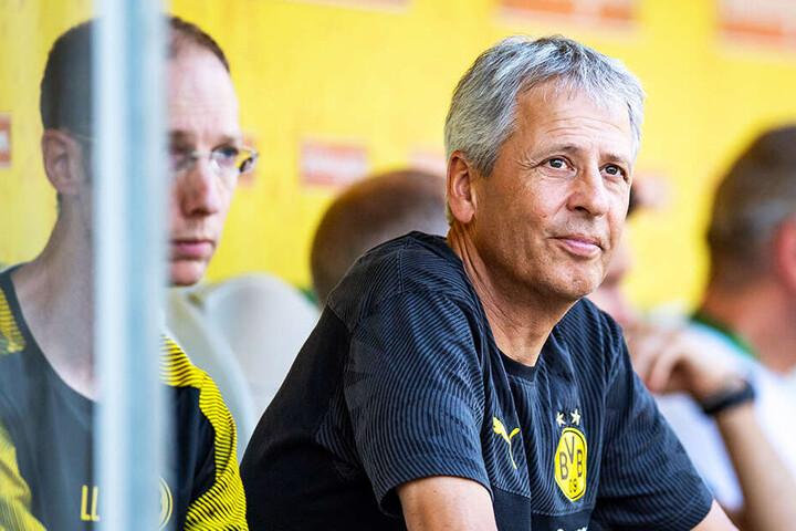 BVB-Coach Lucien Favre geht die offensive Zielsetzung der Verantwortlichen mit.
