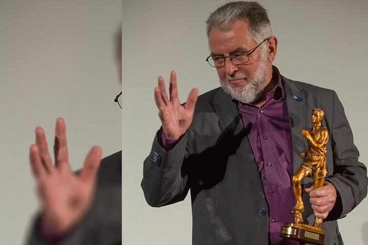 """DDR-Leistungssportler Karl-Heinz Leiteritz wurde mit dem Ehrenpokal """"Goldener Rudi"""" geehrt."""