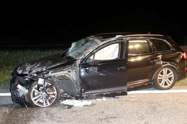 Die Spuren des Unfalls sind auch am Audi deutlich zu sehen.