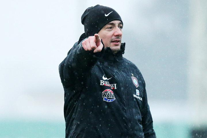 Aue-Coach Daniel Meyer (39)