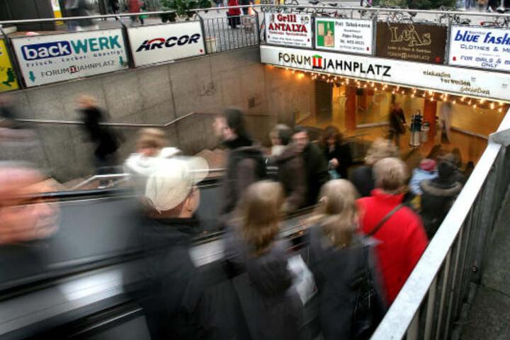 Die meisten Leute nutzen das Jahnplatz Forum nur, um trockenen Fußes von der Alt- in die Neustadt oder umgekehrt zu kommen.