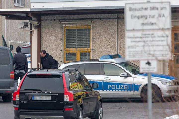 Noch immer hat die Polizei keine Spur vom geflohenen Häftling.