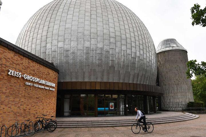 Das Planetarium im Prenzlauer Berg feiert seinen 30. Geburtstag mit vielen Angeboten.