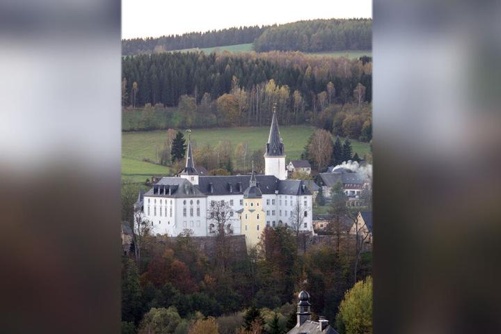 Idyllisch: Schloßhotel Purschenstein in Neuhausen/E.