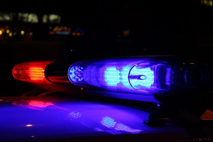 Zwei der drei mutmaßlichen Räuber konnte die Polizei bereits festnehmen! (Symbolbild)