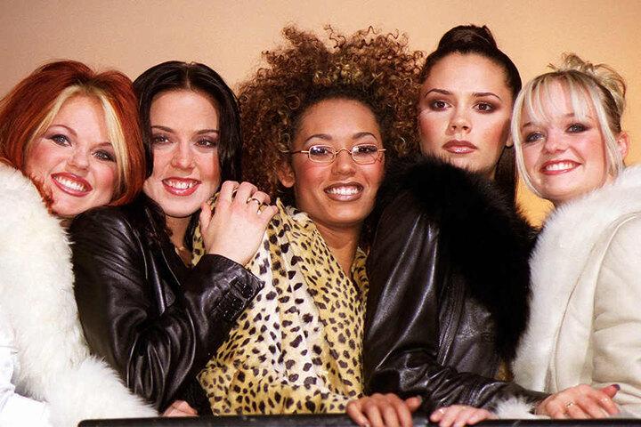 1997 strahlten Geri, Mel C, Mel B, Victoria und Emma (v.li.) noch einträchtig den Fotografen zu.