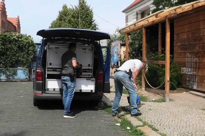 Mitarbeiter der Kriminalpolizei waren am Freitag vor Ort.