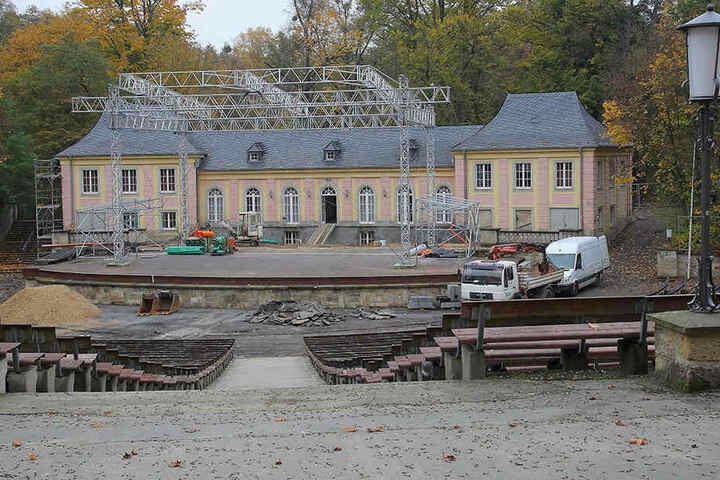 In der Jungen Garde im Großen Garten wird neue Technik gegen Hochwasser verbaut.