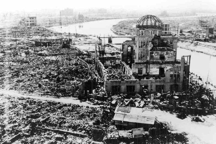 Hiroshima nach dem Abwurf der Atombombe.