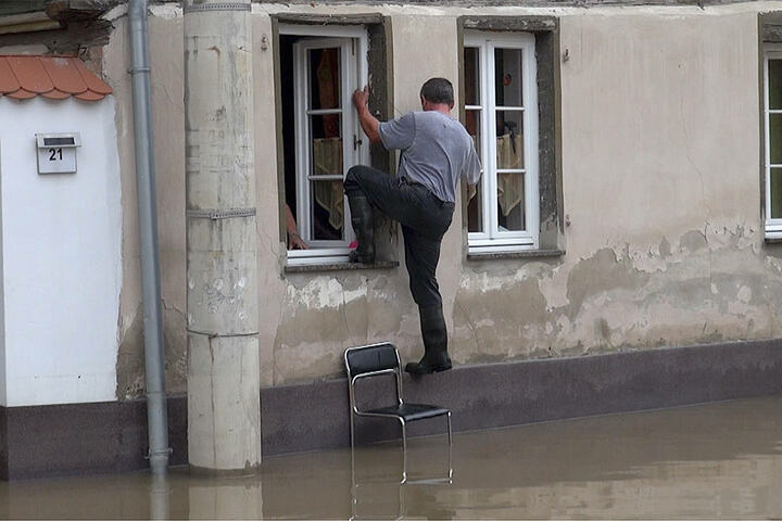 Die Einwohner von Harsleben versuchten am Freitagmorgen, zurück in zu kommen.